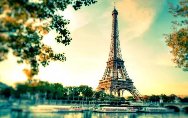 全球50个地标性建筑,认识10个就算你合格!-埃菲尔铁塔(法国·巴黎).jpg