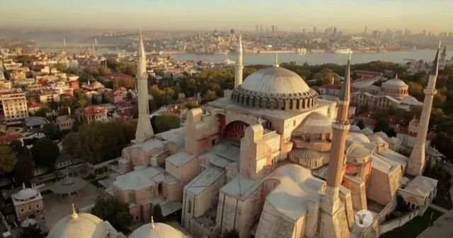 欧式建筑柱资料下载-圣索菲亚大教堂:不朽的石殿与帝王的荣光