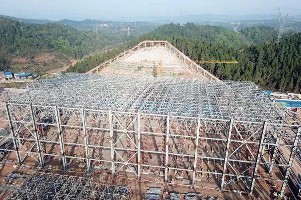 带你看看国内跨度最大的阀厅顶棚网架!