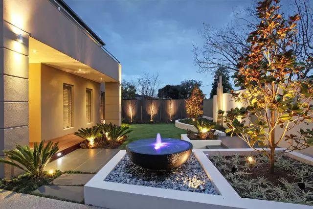 赶紧收藏!21个最美现代风格庭院设计案例_63