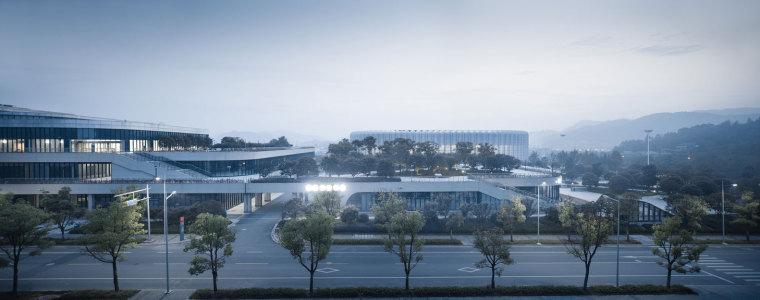 临安半透明轻盈的体育文化会展中心外部实景图 (14)