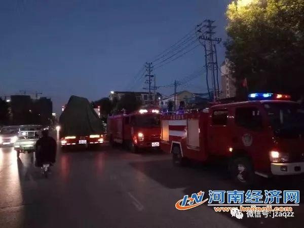 10月28日驻马店市驿城区一施工现场塔吊倒塌伤亡人数不详_2