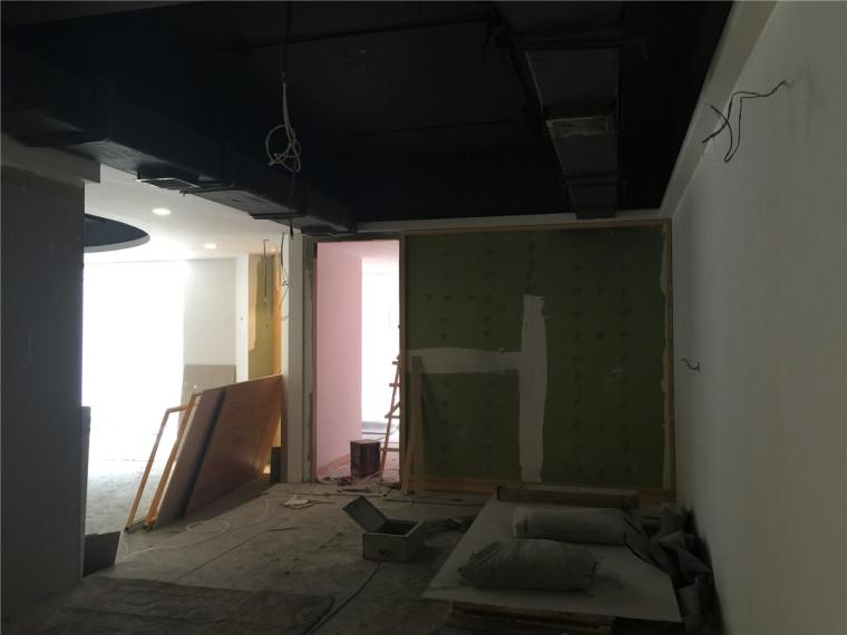 [特色餐厅设计]大连粤食粤点餐厅项目设计实景照片震撼来袭-二楼施工.JPG