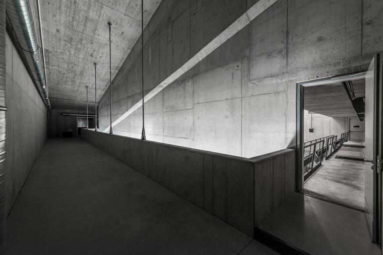 016-centre-for-contemporary-art-dox-by-petr-hajek-architekti