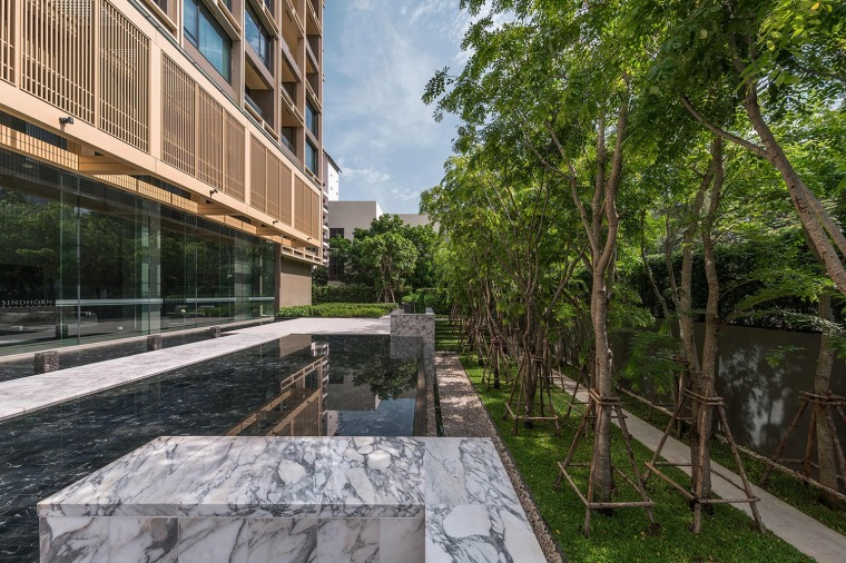 泰国空中现花园公寓