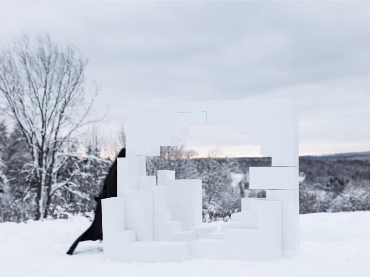 加拿大雪地里的行为录像装置