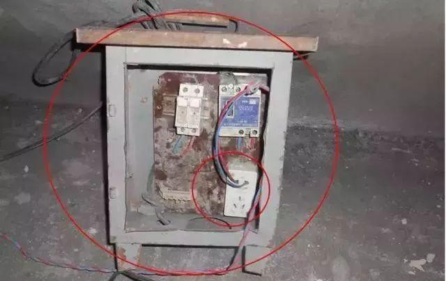 建筑施工现场临时用电安全隐患,全都是错误做法!_20