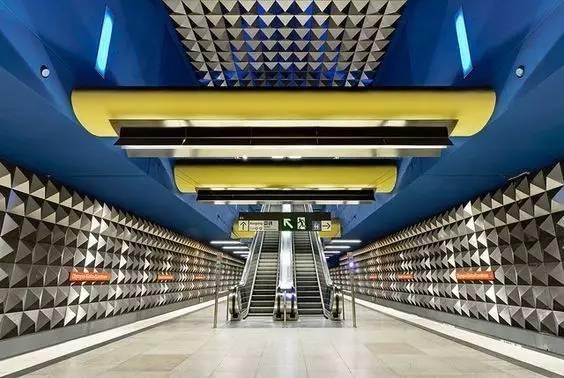 世界最美地铁景观,美到让你不想回家_12