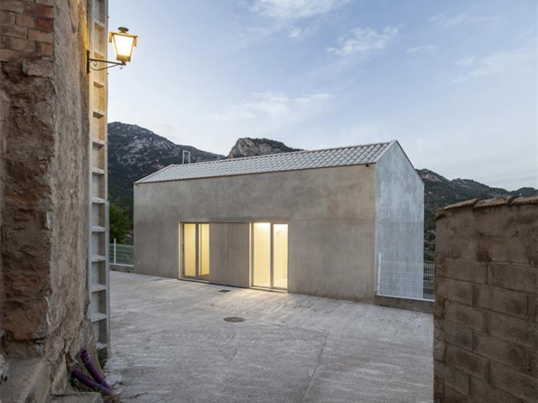 西班牙巧妙与山区结合乡村诊所