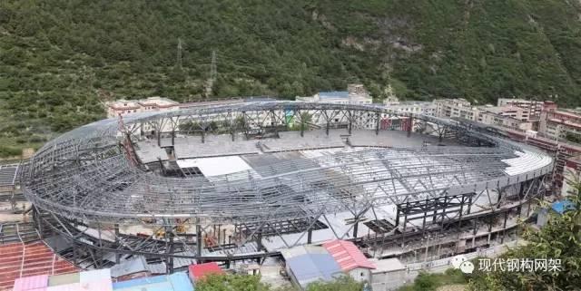 [实例]康定体育馆金属屋面工程施工技术分析