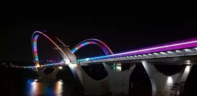 革新的力量——世界首条石墨烯改性路面大桥建成通车_3
