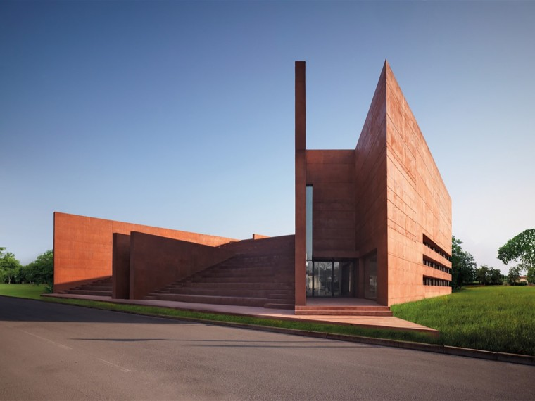意大利科尔诺公共图书馆和礼堂