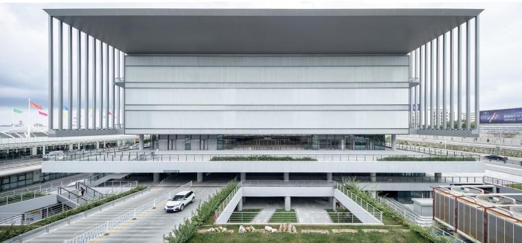 凤凰国际机场停车楼综合体-3