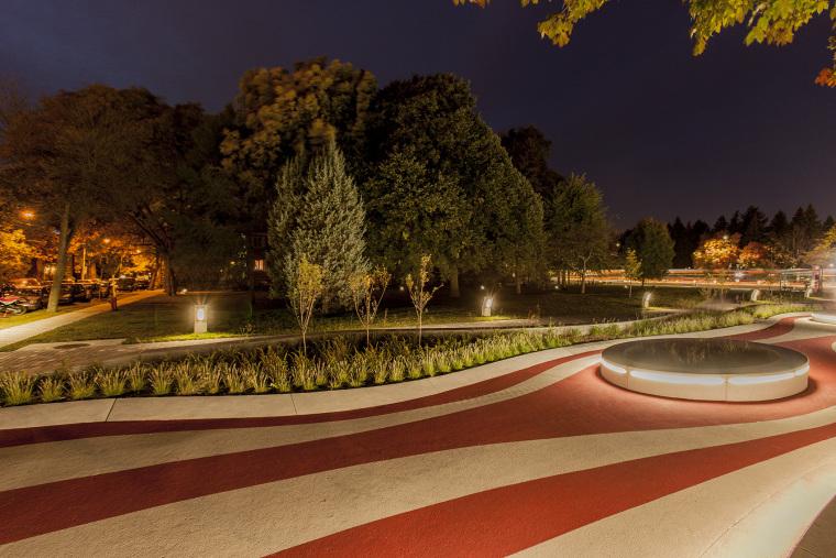 象征生命的Guido-Nincheri公园外部夜景实景图 (9)