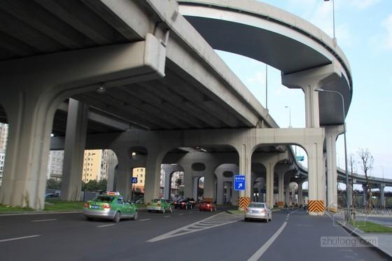 高架公路桥预应力混凝土箱梁模板支撑方案(72页)