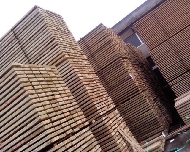 上海易洲防腐木地板防腐木批发定制