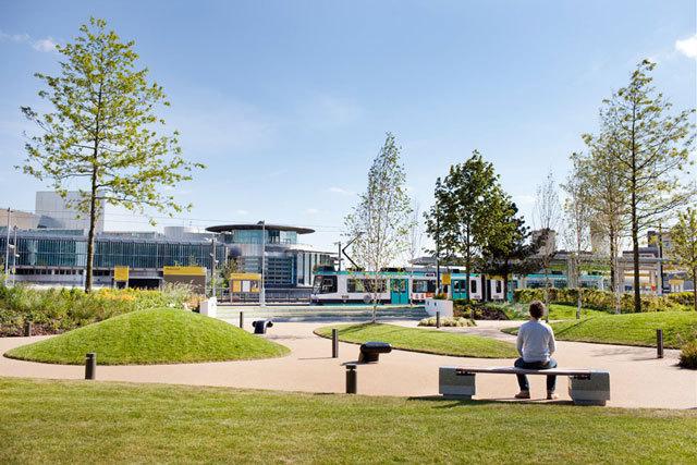 英国媒体城户外空间景观设计_7