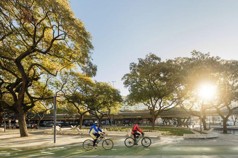葡萄牙里斯本泉池公园-5aed0a55dfed4