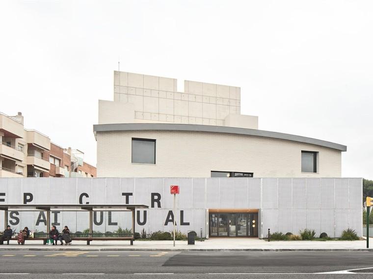 西班牙托雷登瓦拉剧院翻新