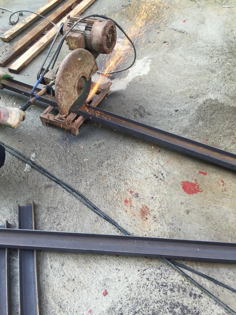 电梯井工具式操作平台施工工法
