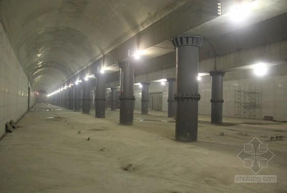 地下两层端头厅式暗挖车站一次性扣拱暗挖逆作施工工法31页(附工法照片)