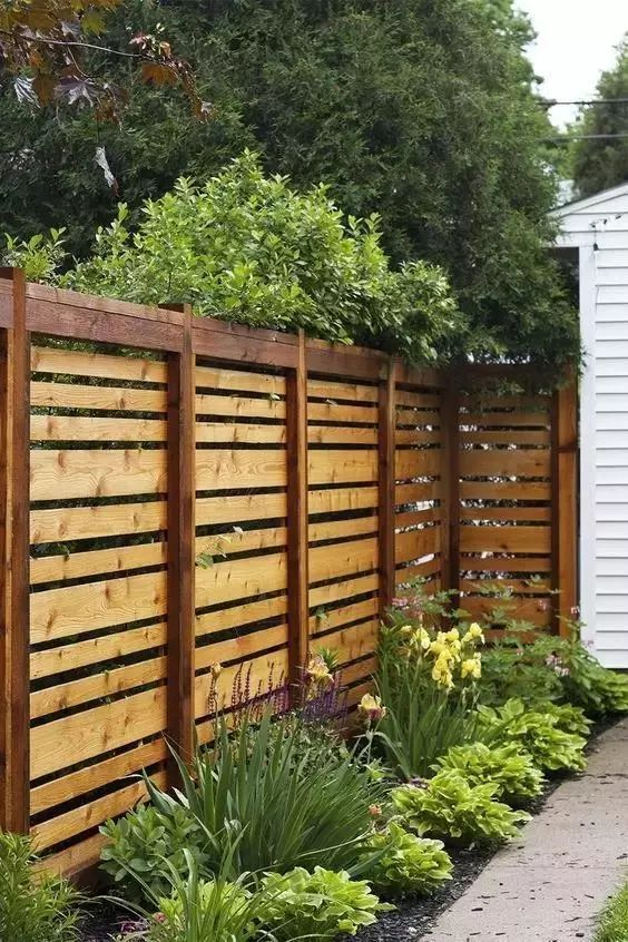 木质围栏 · 淳朴自然