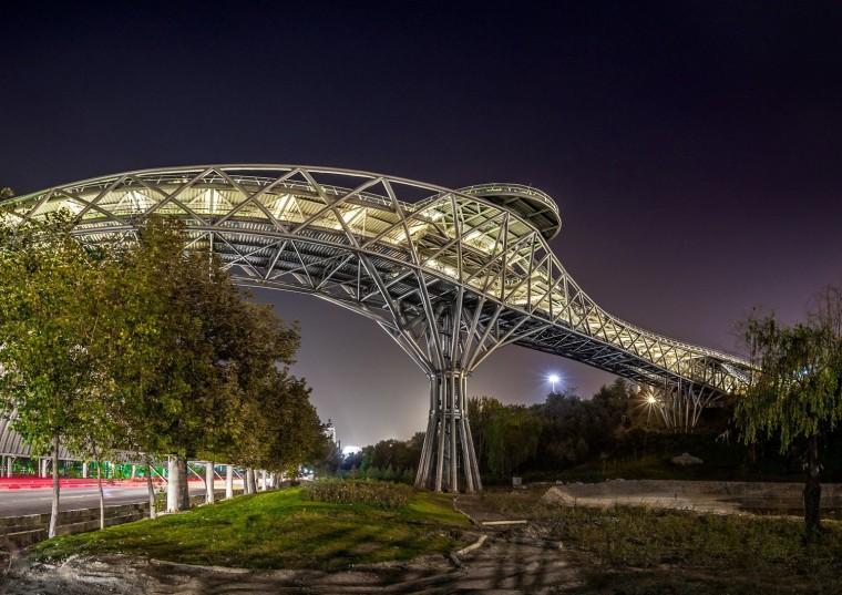 伊朗塔比阿特步行桥-11