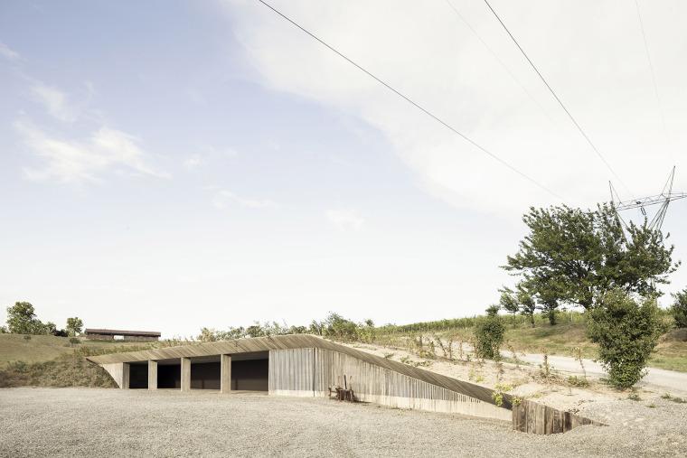 意大利农业机械仓库-1