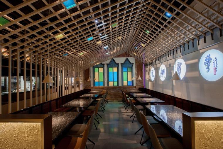 大漠里的新城:塔哈尔·迷迭巷餐厅,上海/杭州卧野空间设计
