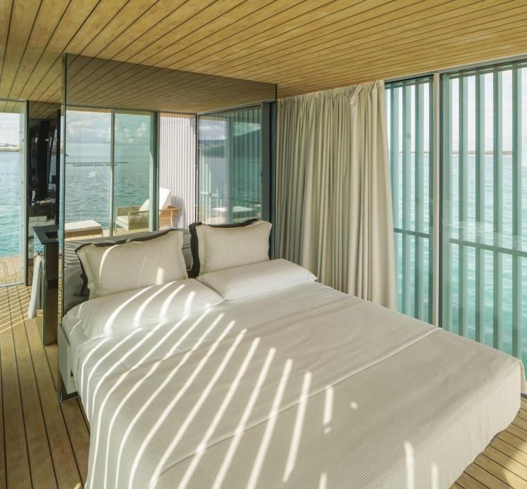 西班牙与大海融为一体的浮动别墅-8