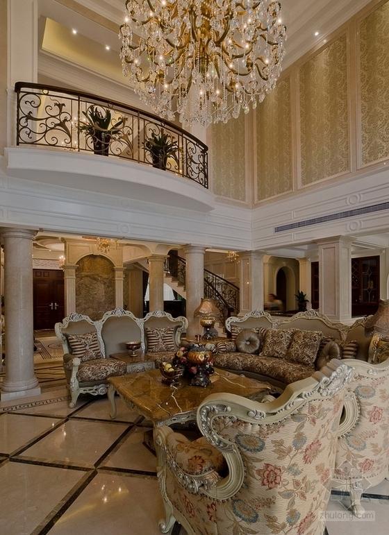[上海]鸟语花香古典欧式风格独栋别墅样板间装修施工图(含高清实景)客厅实景图