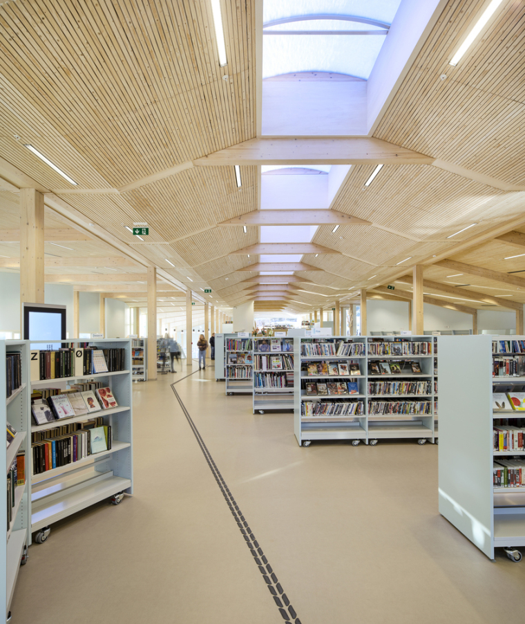挪威格里姆斯塔德图书馆-16