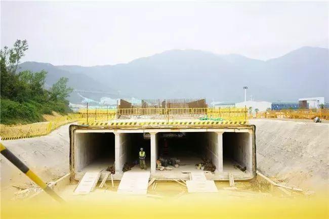 """打造坝光""""城市生命线"""",新区首条综合管廊初具雏形_2"""