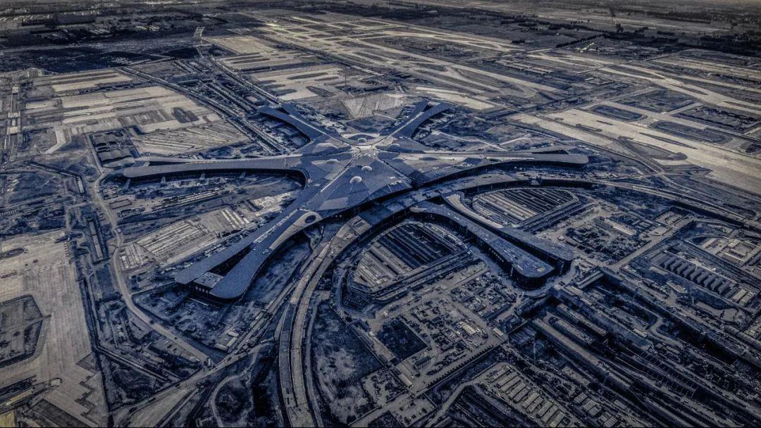 """中国最""""魔幻""""的北京大兴国际机场试飞了!黑科技满满…_15"""