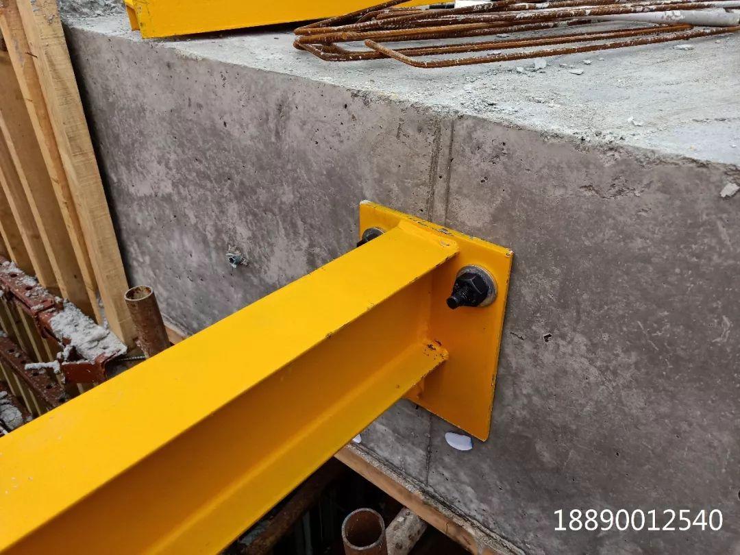 一种新型悬挑架的安装搭设装置_25