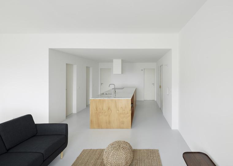 葡萄牙Beato极简公寓改造-002-Beato-Apartment-Renovation-by-Arriba