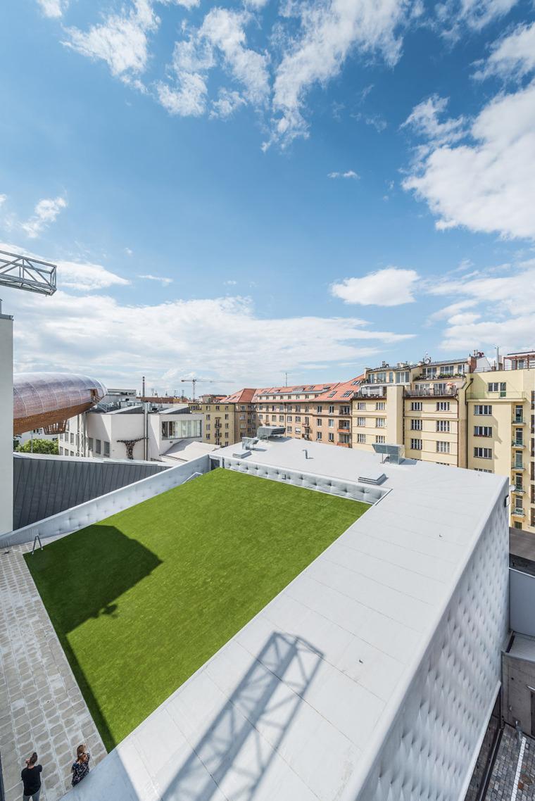 003-centre-for-contemporary-art-dox-by-petr-hajek-architekti