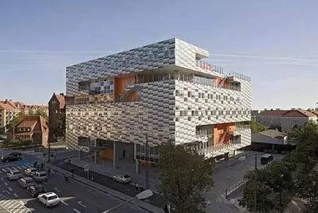 颜值时代,细数全球15座最酷最奇特的学校建筑!_14