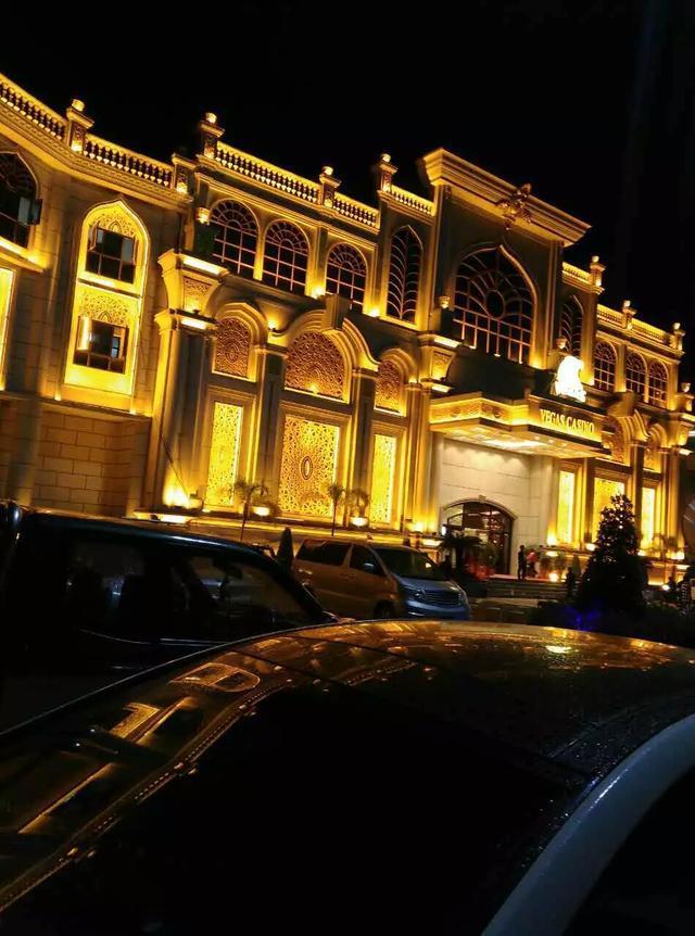 緬甸皇家賭場點燈節和澳門大橋頭夜景你比較喜歡哪地方旅游呢?