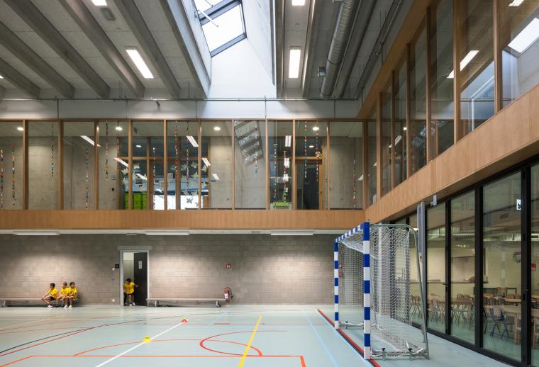 比利时公园一角的学校-5