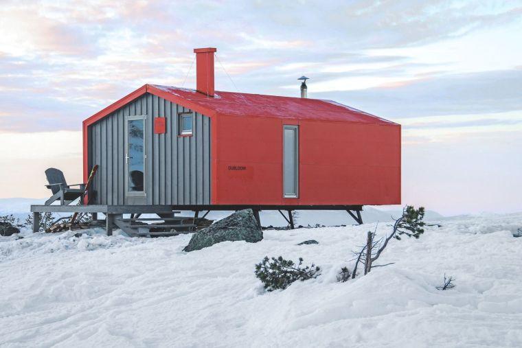 俄罗斯雪地上的DublDom预制观景屋-1