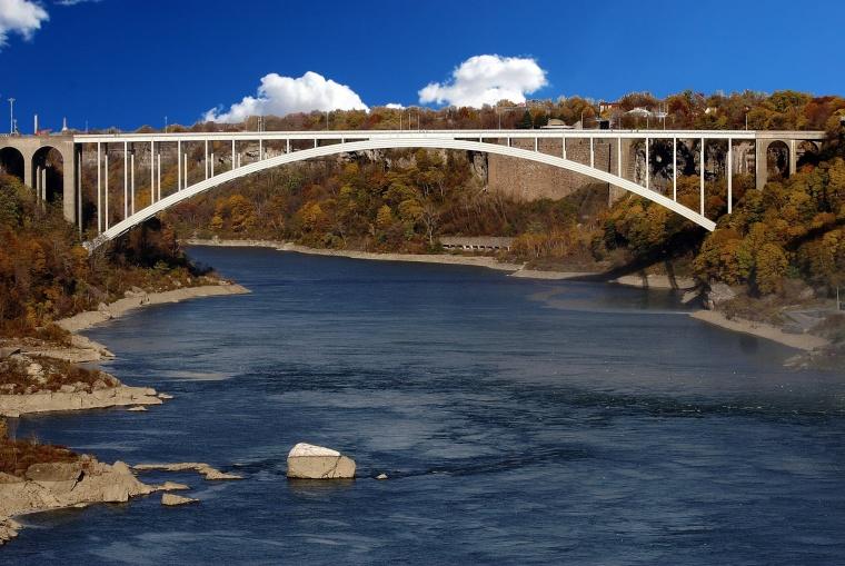 [桥梁]斜拉桥钢-硂结合主梁安装监理细则(共74页)