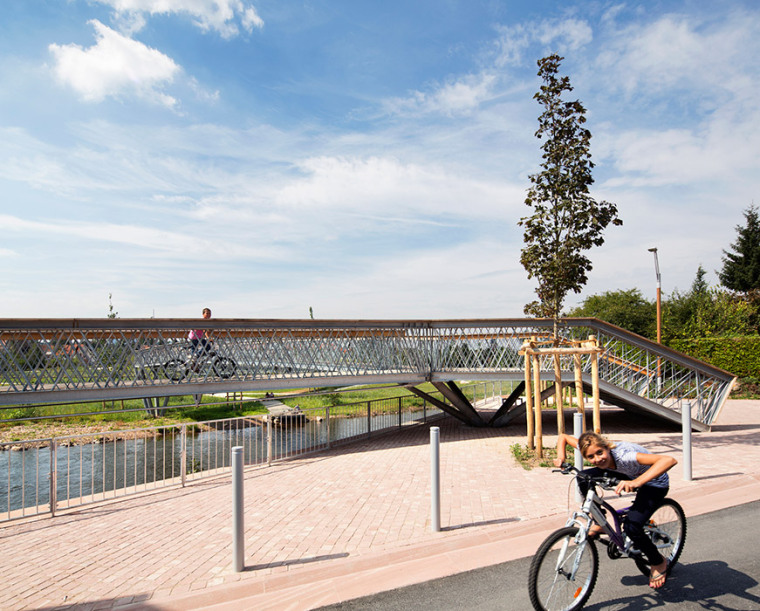 法国默尔特河岸景观设计_11