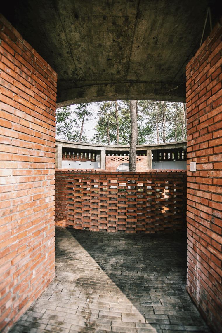 湖北澴河环厕建筑-11