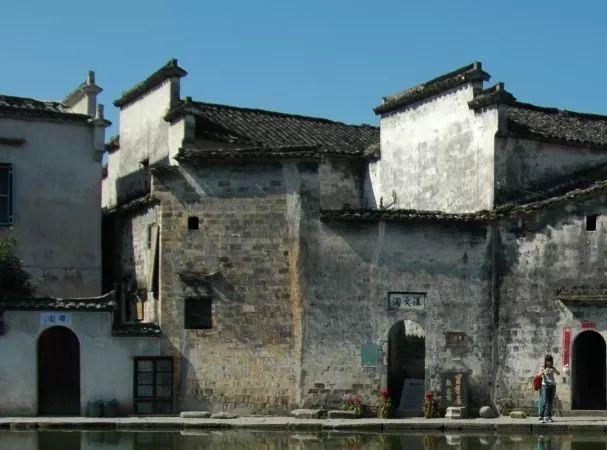巴黎圣母院火灾损失惨重,中国古建筑有一物可避免悲剧发生