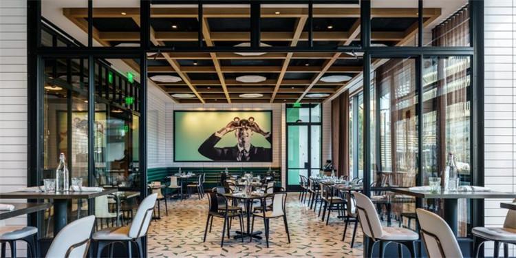 房中房:英国剑桥玻璃屋酒吧&餐厅设计