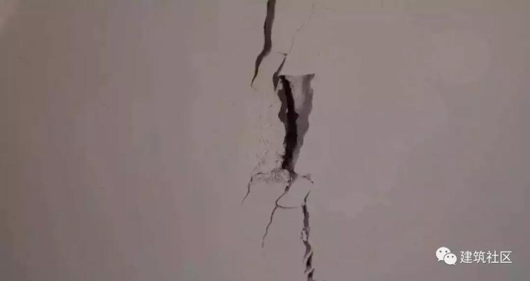 墙面开裂怎么办?5种病因对症下药!