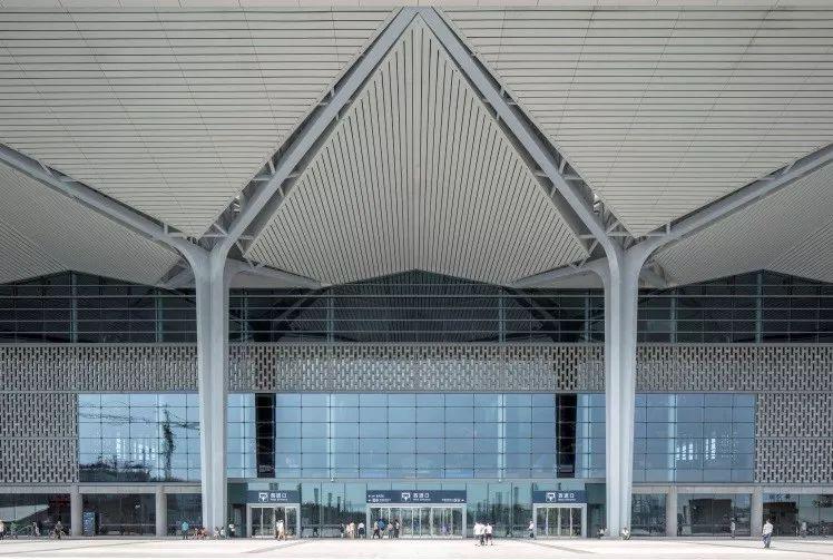 结构单元体与空间塑造,从国内几个高铁站的设计说起_4