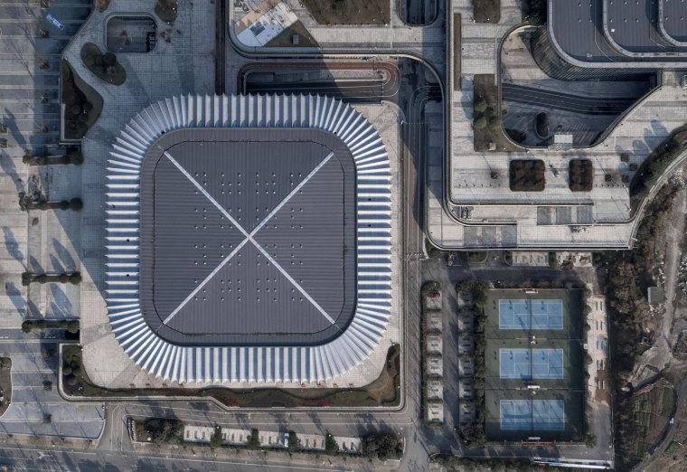 临安半透明轻盈的体育文化会展中心外部实景图 (2)