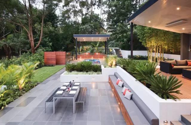 赶紧收藏!21个最美现代风格庭院设计案例_39
